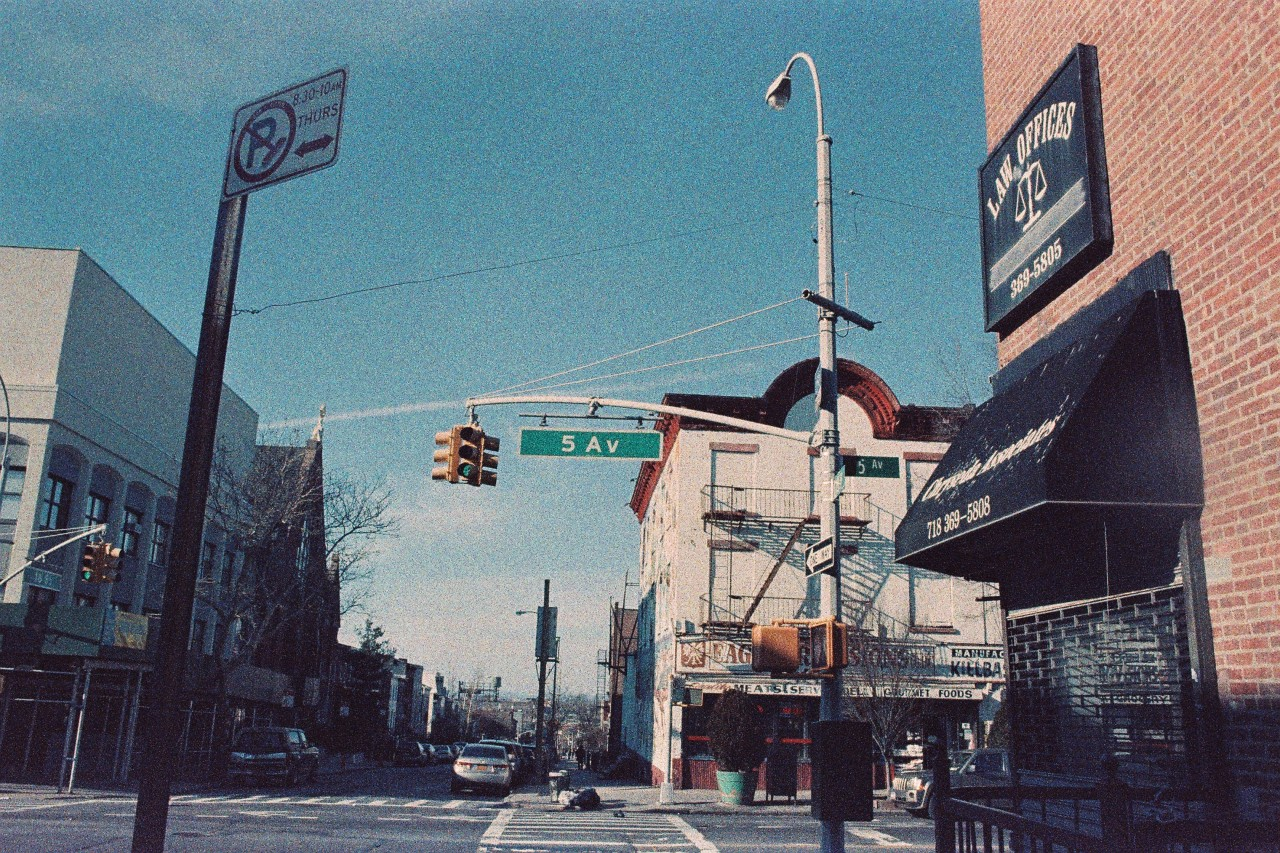 Brooklyn (Color Implosion Surreal CN)