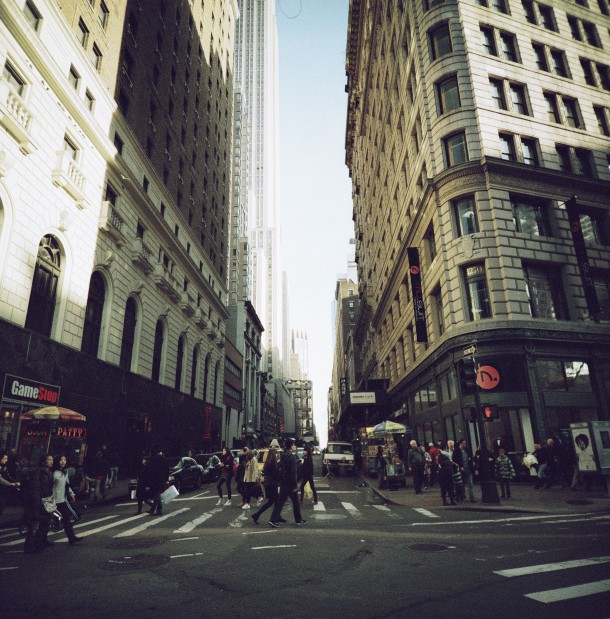 New York street - Lomo LC-A 120 - X-Pro slide 200