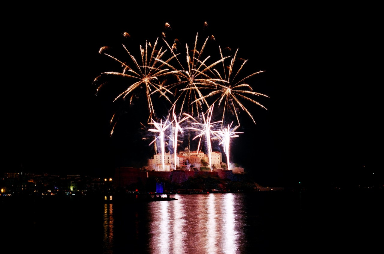Feux d'articfices du 15 août à Calvi - Canon EOS 100 - Fuji Superia 200