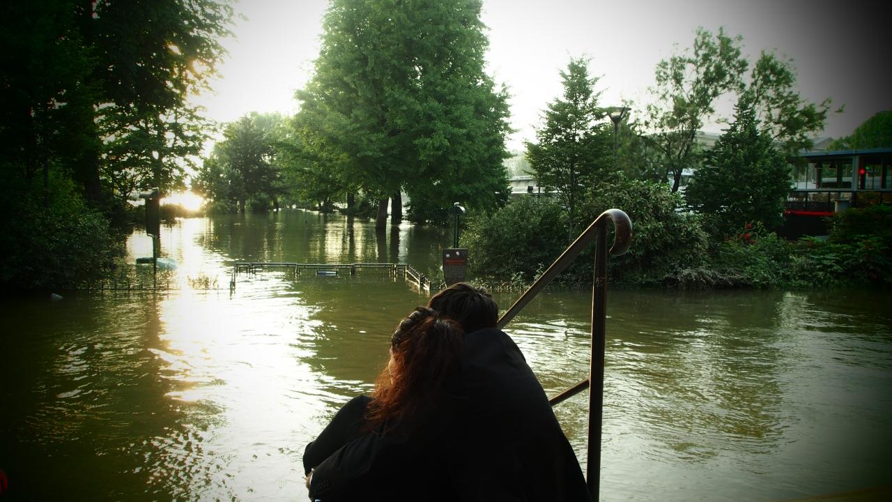Les amoureux du Pont Neuf - Inondation de Paris - Olympus OM-D E-M5