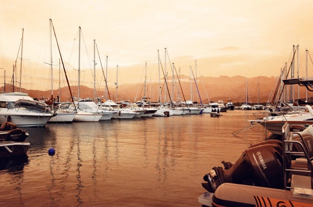 Port de Calvi - Canon EF - Lomochrome Turquoise