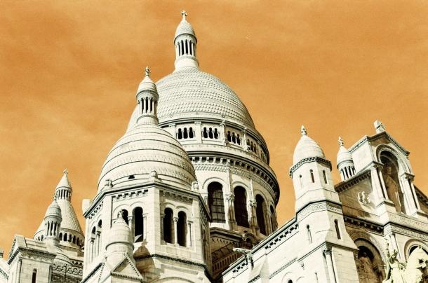 Basilique du Sacré Coeur Paris - Lomochrome Turquoise - Canon A1