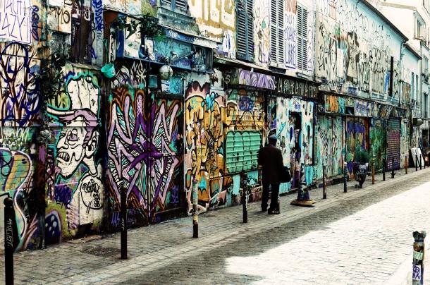 Rue Dénoyez Belleville Paris - Lomochrome Turquoise - Canon A1