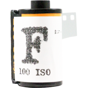 Pellicule Noir et Blanc Washi F 100 iso (35mm)